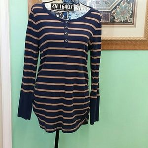 EUC Old Navy XL blue and brown maternity sweater
